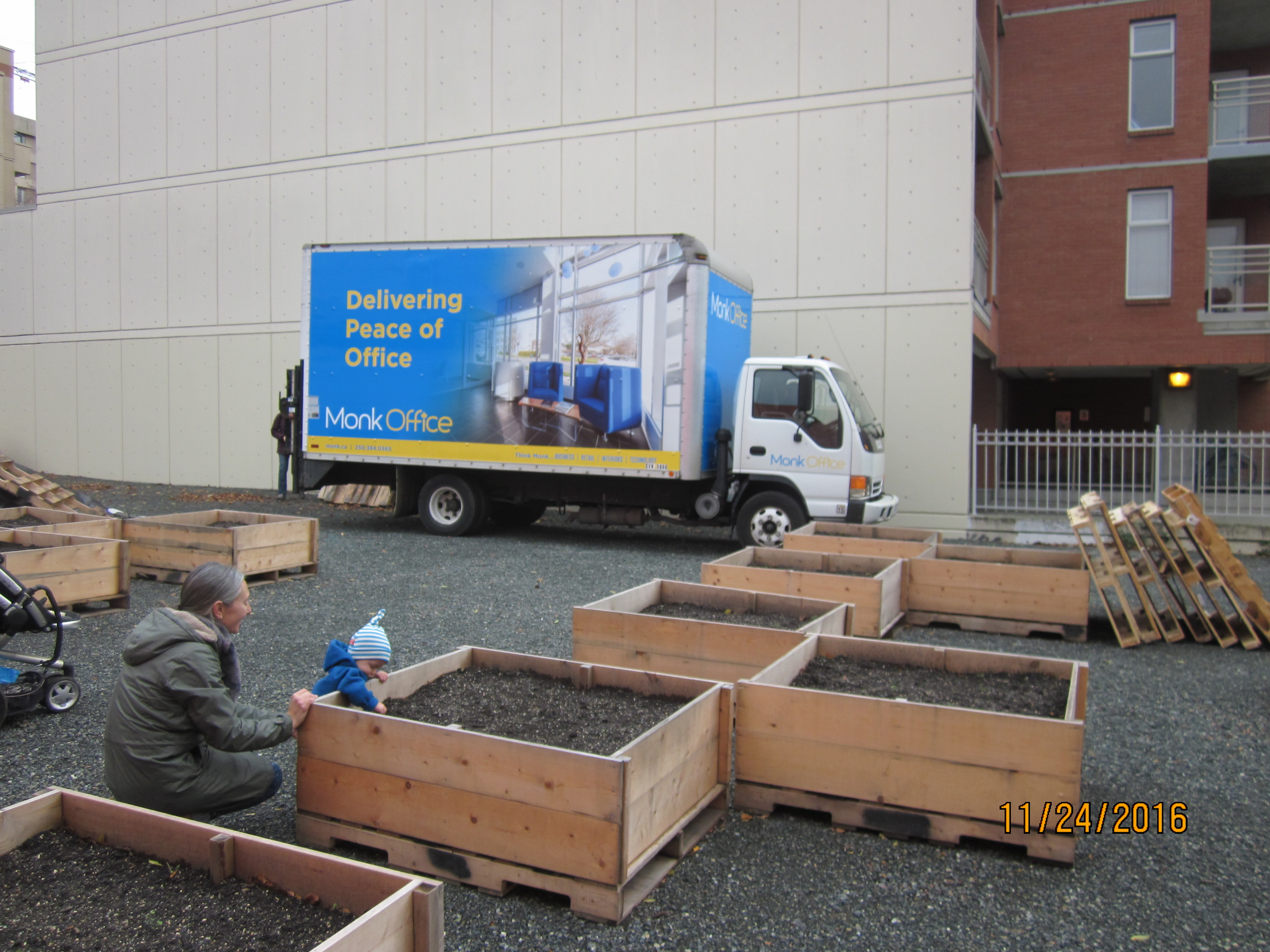 Pallet and Box Delivery